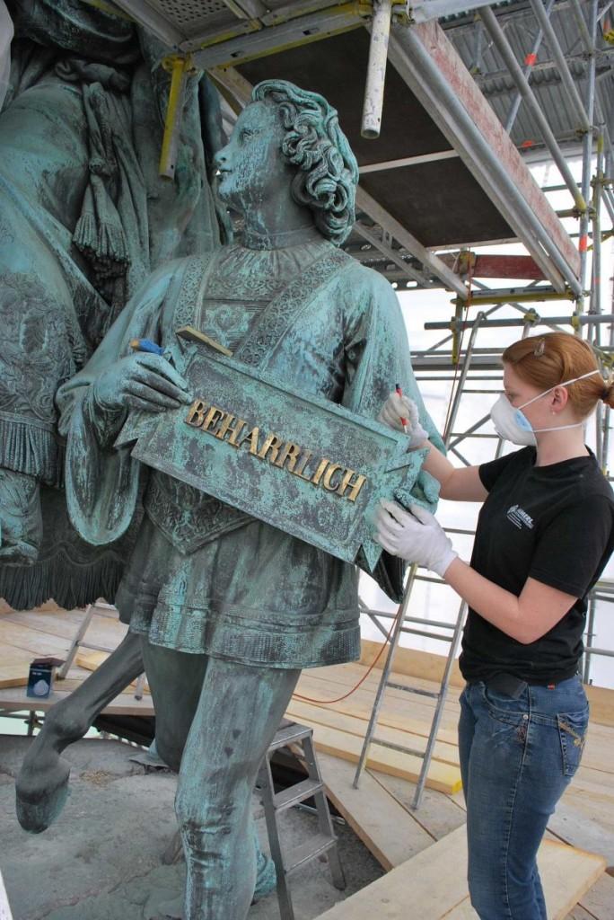 Konservierung des Bronzedenkmals Ludwig I. am Odeonsplatz München